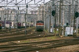 ashitari-train.jpg